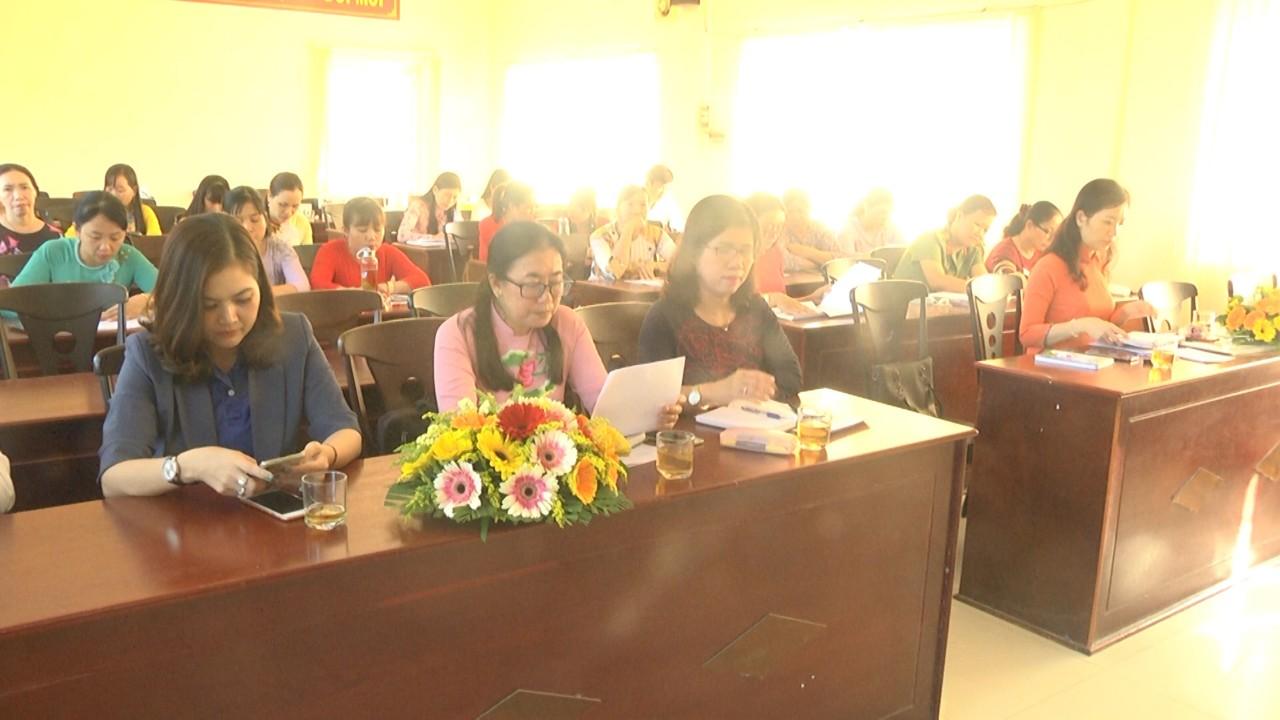 Hội Phụ nữ huyện Chợ Lách sơ kết quí 1/2021