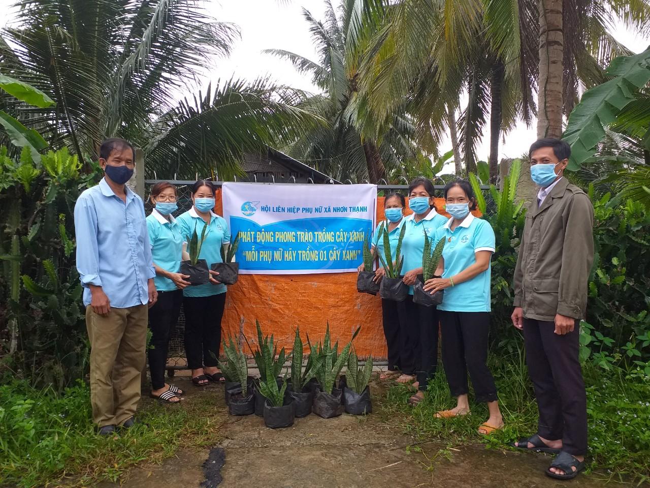"""Hội LHPN TP Bến Tre thực hiện vì mục tiêu 1 tỷ cây xanh theo sáng kiến của Thủ tướng Chính phủ gắn thực hiện Chủ trương """"Sáu không"""""""