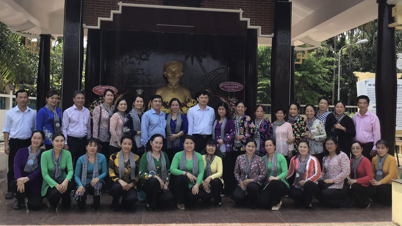 Chi bộ Hội Liên hiệp Phụ nữ tỉnh Bến Tre về nguồn sinh hoạt chuyên đề quí I/2021