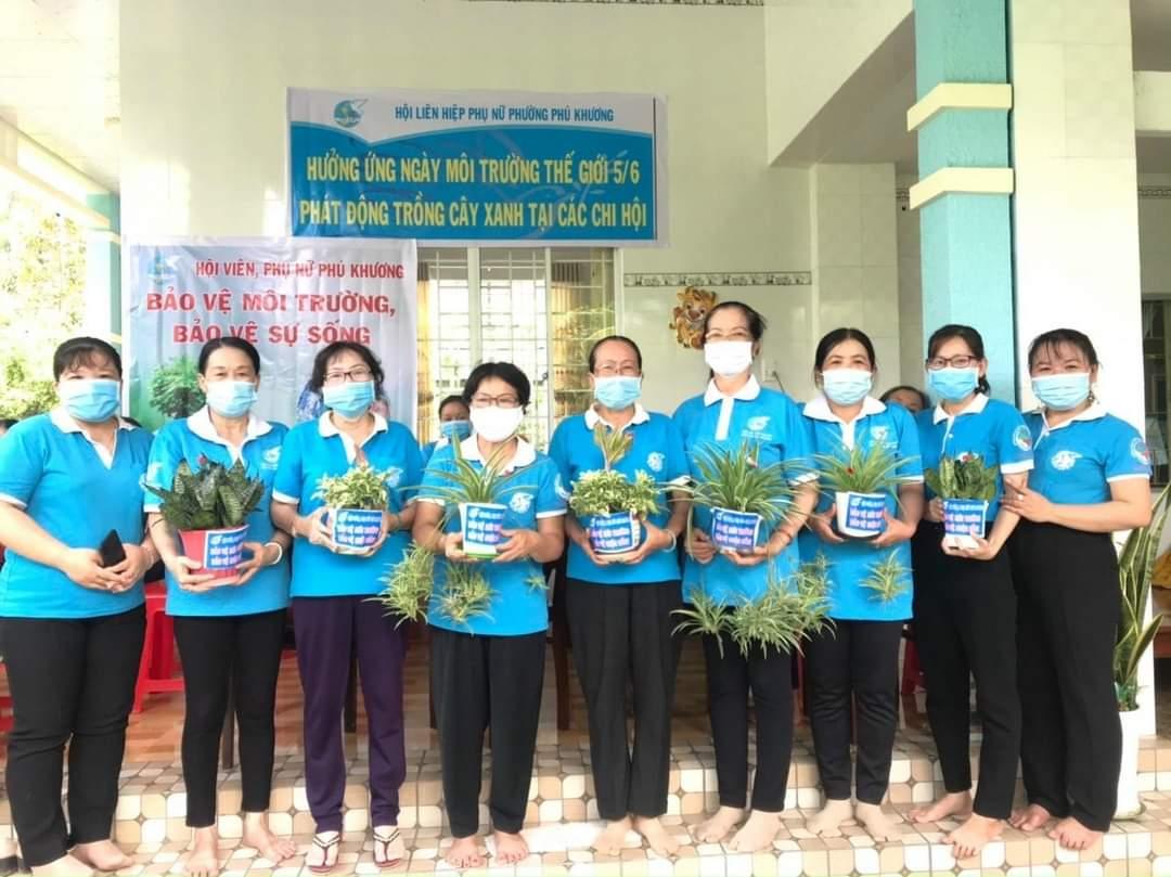 Hội LHPN phường Phú Khương với công tác Bảo vệ môi trường hướng đến bảo vệ cuộc sống