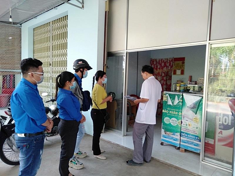 Phụ nữ xã Phú Hưng, thành phố Bến Tre chung tay phòng chống dịch Corona