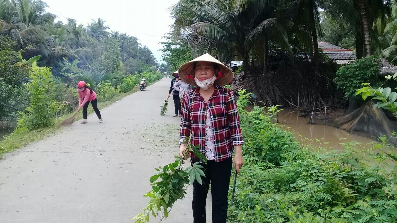 Nữ cán bộ, hội viên phụ nữ ấp - gương sáng trong xây dựng xã nông thôn mới